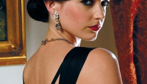 2150_EvaGreen_Casino-Royale_crct
